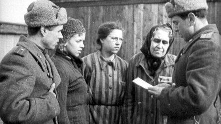 Der Spiegel,'Auschwitz'i ABD kurtardı' yalanı için özür diledi