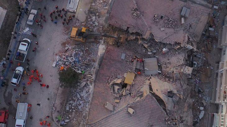 Elazığ'da depremin ardından arama kurtarma çalışmaları devam ediyor