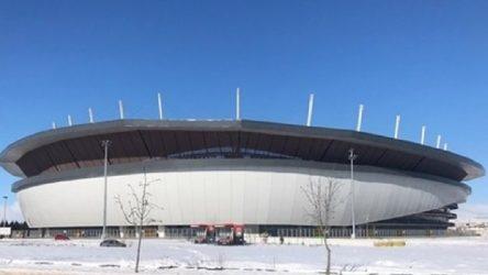 Erdoğan'ın'çok modern bir stadyum' sözleriyle açtığı'Eskişehir Yeni Atatürk Stadyumu' yağan ilk karda çöktü