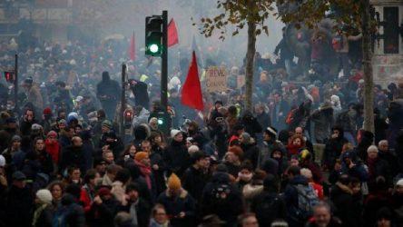 Fransa'da grev tarihe geçti