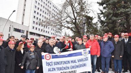DİSK'in Urla'daki arazisine el konulması protesto edildi