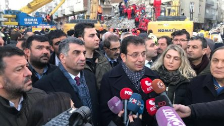 İmamoğlu'ndan deprem bölgesinde açıklama