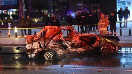 İzmir Balçova'da feci kaza: 2 ölü, 1 yaralı