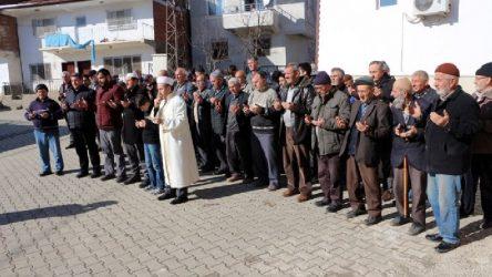 Tokat'ta imam köylüleri 'kar duası'na çıkardı