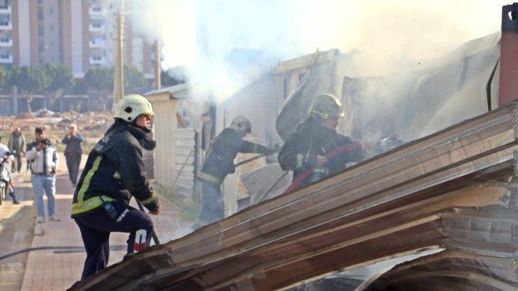 Antalya'da işçilerin kaldığı konteynerde yangın