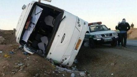 İran'da otobüs devrildi: En az 20 ölü