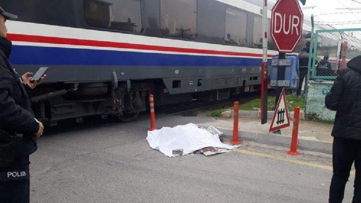 Mersin Tarsus'da yolcu treninin çarptığı kadın hayatını kaybetti