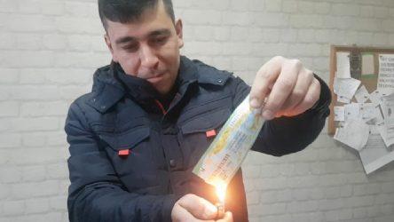 İkramiye isabet eden biletini 'haram' diyerek yaktı