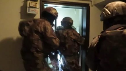 Bursa'da'gaybubet evi' baskınları