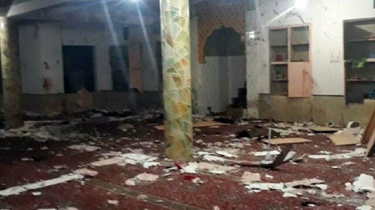 Pakistan'da camiye bombalı saldırı: En az 15 ölü