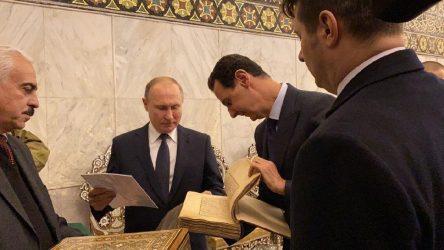 Putin Şam'da Emevi Camisini ziyaret etti