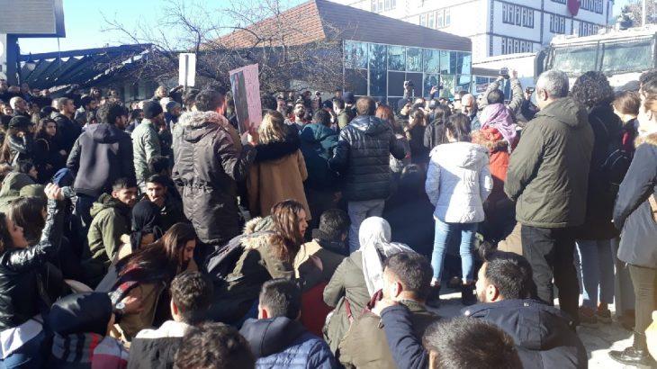 Dersim'deki basın açıklamasına polis müdahalesi