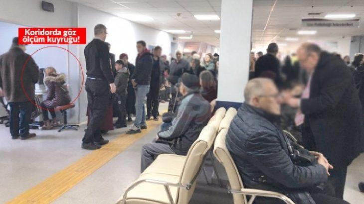 Üniversite hastanesinden manzaralar: Hasta muayenesi koridorda yapılıyor