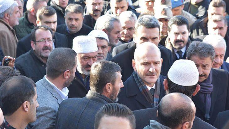 Bakan Soylu'dan öldürülen 'şeyh'in ailesine taziye ziyareti