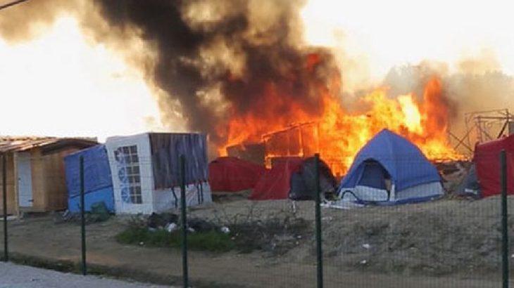 Sudan'lı sığınmacılar kampı ateşe verdi: 335 kişi tutuklandı