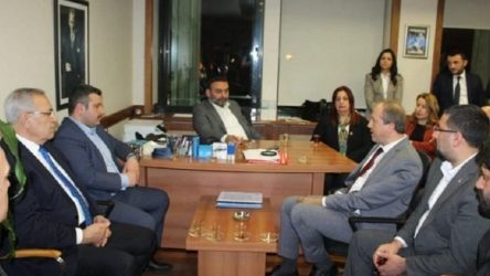 Avcılar Belediye Başkanı Hançerli'oturma eylemi' yaptı: Avcılar'daki hemşerilerime cevap veremiyorum