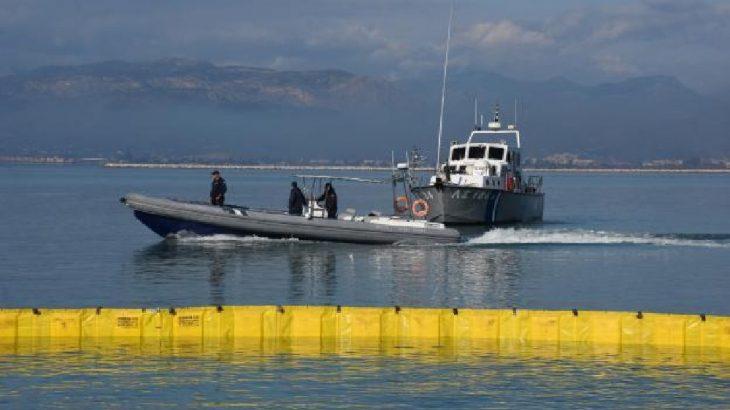 Yunanistan deniz sınırını yüzer bariyerle kapatacak