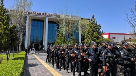 Kayyımdan AKP'li Başkan yardımcısının maaşına yüzde 6 bin oranında zam!