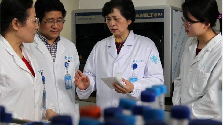 Çinli araştırma ekibi: Koronavirüsü durduran 2 ilaç bulduk