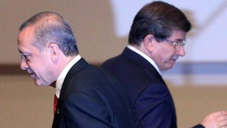 Davutoğlu'ndan eski yol arkadaşına eleştiri