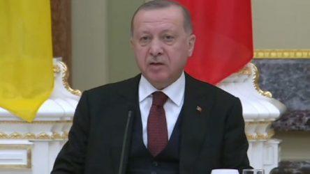 Erdoğan: 1 milyona yakın insan sınırlarımıza yürüyor