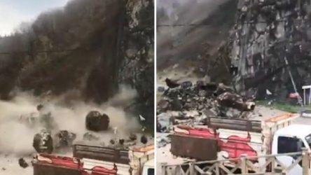 Giresun'da heyelan: Kaya parçaları yolu kapattı