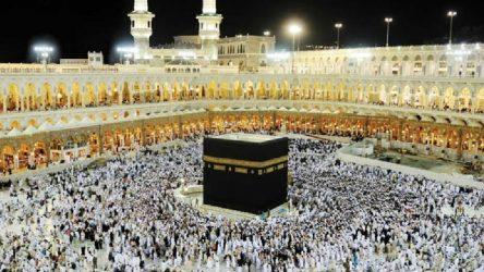 Suudi Arabistan tüm umre ziyaretlerini askıya aldı