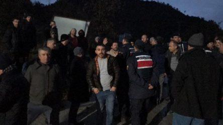 125 maden işçisi, işten çıkarılan arkadaşlarına destek için greve başladı