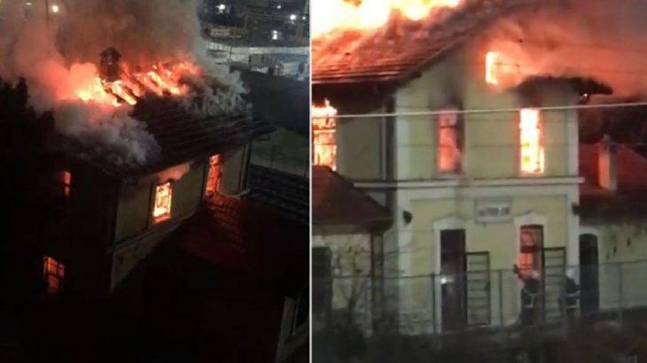 Kocaeli'nde 70 yıllık tren istasyonu yandı
