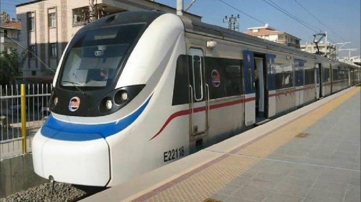 İzmir Karşıyaka'da bir genç trenin önüne atlayarak intihar etti