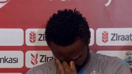 Trabzonsporlu oyuncu ırkçı mesajlara tepki gösterdi, gözyaşlarını tutamadı
