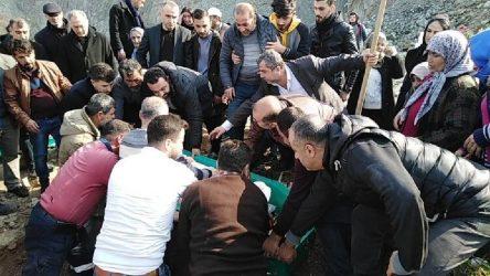 Yer Samandağ: Cenazeler karıştı, mezardan çıkardılar