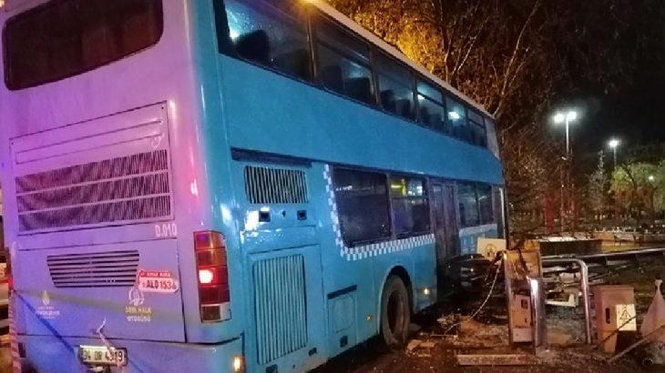 İstanbul Kartal'da halk otobüsü durağa daldı: Çok sayıda yaralı