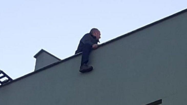 İşsiz yurttaş çatıda intihara kalkıştı