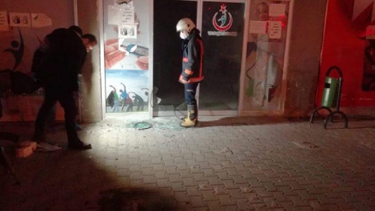 Mersin Tarsus'da sağlık merkezine molotoflu saldırı