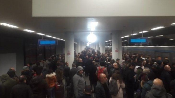 İstanbul'da metro seferlerinde arıza