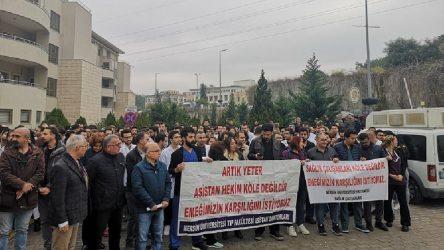 Mersin'de sağlık emekçileri hakları için iş bıraktı