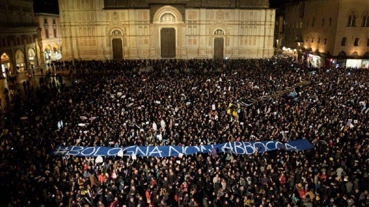 AVRUPA'DAN NOTLAR | İtalya siyasetinde yeni bir özne: Sardalyalar hareketi