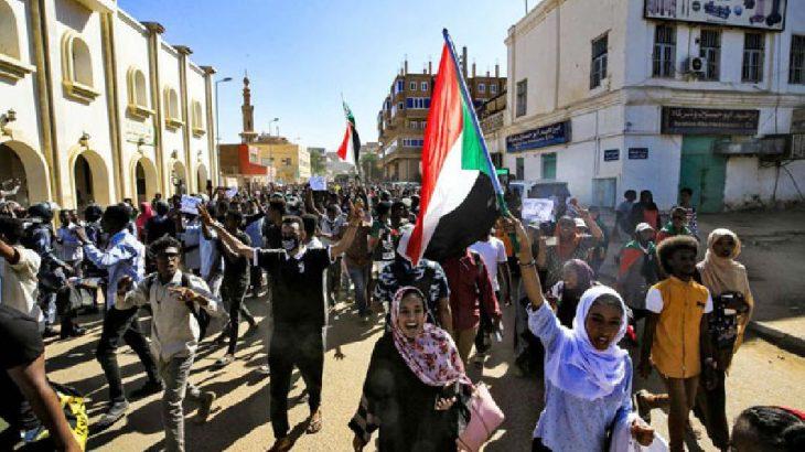 Sudan'da ekmek ve yakıt protestoları yeniden başladı