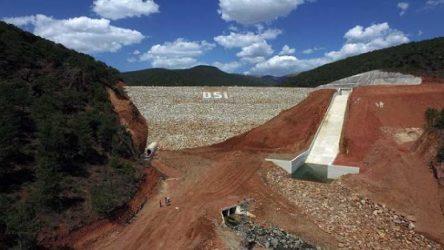 Uşak Banaz'da baraj çatladı: 2 köy tahliye edildi