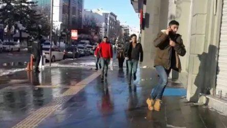 Van'da bomba paniği: Cumhuriyet Caddesi boşaltıldı