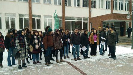 Anadolu Üniversitesi Hukuk Fakültesi öğrencilerinden dekanlığa'Bülent Yücel' tepkisi