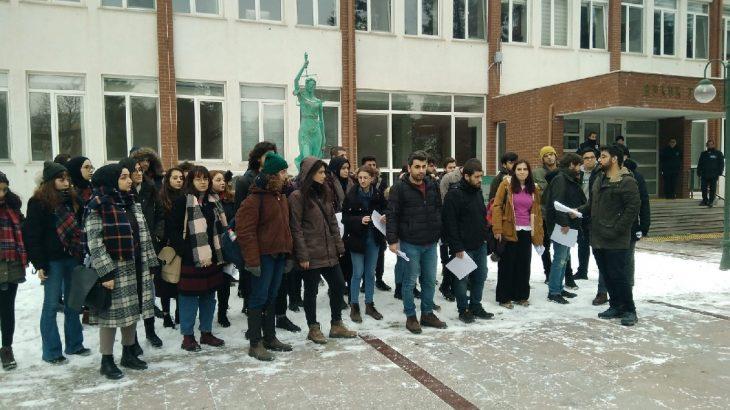 Anadolu Üniversitesi Hukuk Fakültesi öğrencilerinden dekanlığa 'Bülent Yücel' tepkisi