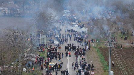 Yunanistan'dan açıklama: Sınırı geçen 66 kişi gözaltına alındı