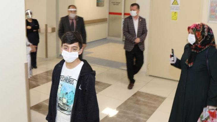 14 yaşındaki Fatih koronavirüsü yendi