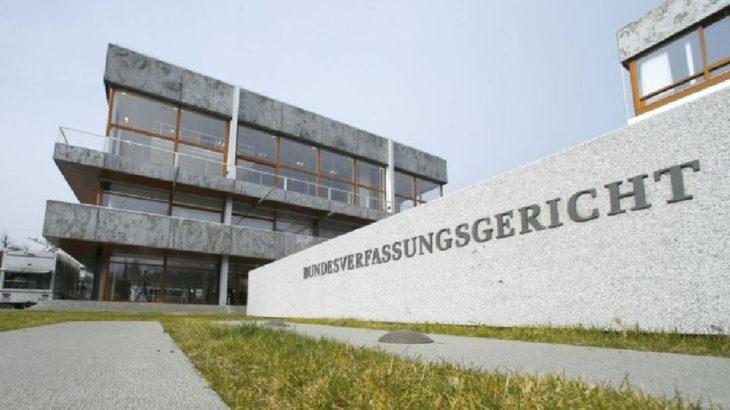 Almanya AYM kilise, sinagog ve camilerde ibadetin yasaklanamayacağına hükmetti