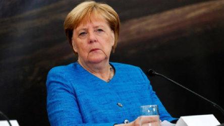 Merkel'den AB'ye Yunanistan çağrısı