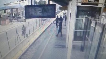 Bursa'da fenalaşıp rayların üzerine düşen genç hayatını kaybetti
