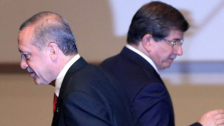 Davutoğlu: Erdoğan'la aramıza 'kripto FETÖcüler' girdi