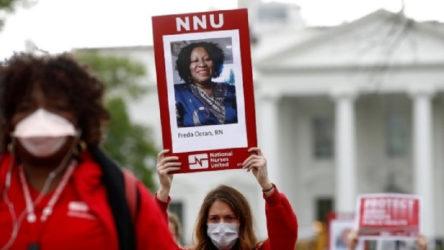 Sağlık emekçilerinden Beyaz Saray önünde protesto